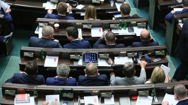 400 zł miesięcznie dla działaczy opozycji antykomunistycznej. Sejm przyjął nowelizację ustawy