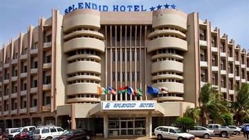 16-01-2016 06:24 Atak islamistów w Burkina Faso: 20 ofiar, uwolniono zakładników, trwają walki w hotelu