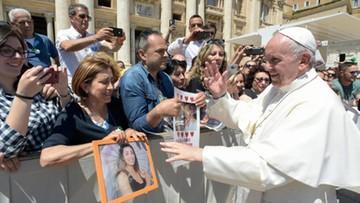 Czekali na proboszcza, przyszedł papież. Franciszek pobłogosławił mieszkania wiernych