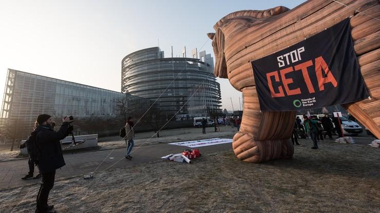 Europarlament ratyfikował umowę UE-Kanada. Protesty przeciw CETA