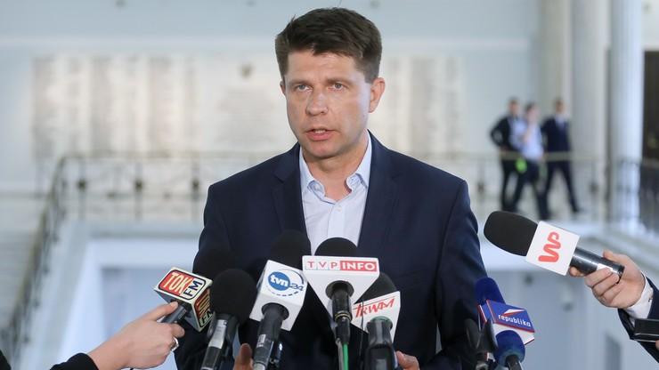 """""""KE nie dała się nabrać na sztuczki PiS"""". Opozycja o opinii Komisji ws. praworządności w Polsce"""