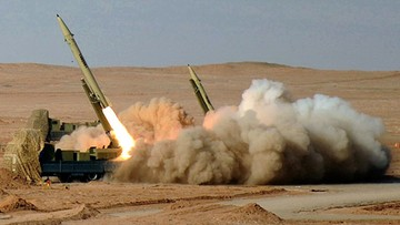 Prezydent Iranu: zbudowaliśmy, budujemy i będziemy budować rakiety