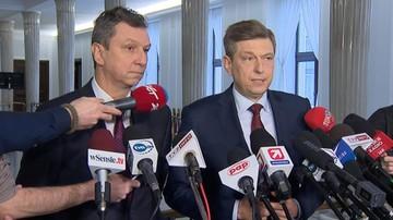 """07-02-2017 11:09 """"Macierewicz broniąc Misiewicza straszy wolne media, to skandal"""". Platforma o szefie MON"""