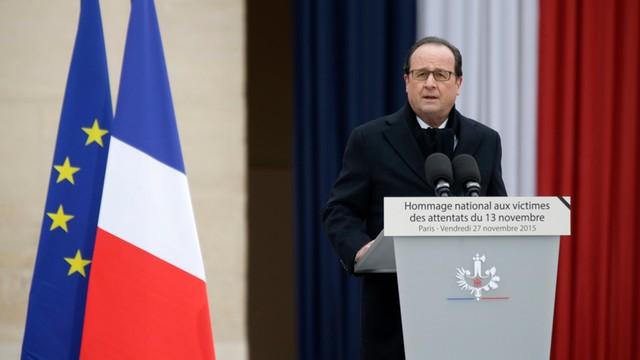 Hollande: Zniszczymy armię fanatyków odpowiedzialnych za zamachy