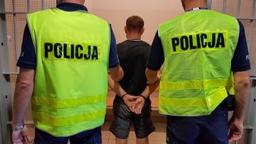 07-08-2017 15:31 Pijany mężczyzna uciekał policji. Wiózł małe dzieci