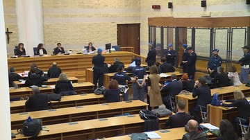 """17-10-2017 10:14 """"Najwyższa kara za gwałt"""". Pikieta przed sądem w Rimini"""