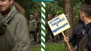 20-08-2017 19:09 Przez Puszczę Białowieską przeszedł marsz leśników. Gest solidarności z poszkodowanymi przez nawałnice