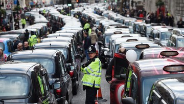 10-02-2016 21:16 Brytyjscy taksówkarze protestowali przeciwko Uberowi
