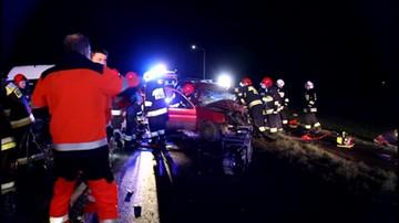 Wypadek w okolicach Opola. Jedna osoba nie żyje, a 13 jest rannych