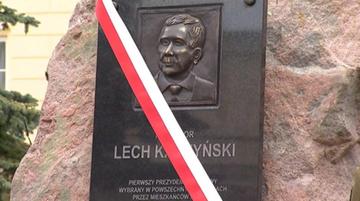 12-04-2016 16:18 Gronkiewicz-Waltz: głaz z tablicą ku pamięci Lecha Kaczyńskiego nielegalny, będzie kontrola