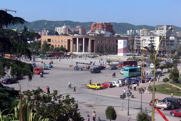 Albańska wiceminister zwolniona - nie płaciła za prąd