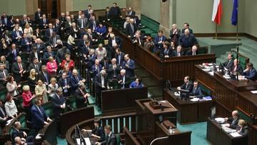 """30-12-2015 19:23 Sejm uchwalił nowelizację tzw. ustawy medialnej. """"Legislacyjny nalot dywanowy"""""""