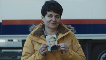 29-11-2016 10:13 Mama z Polski przestrzega przed ostrymi zakrętami. Norweska kampania skierowana do zagranicznych kierowców