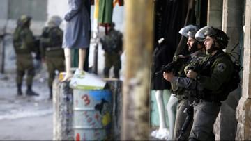 23-12-2015 22:44 Atak palestyńskich nożowników w Jerozolimie, są ofiary śmiertelne