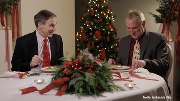 Amerykańscy dyplomaci próbują polskich potraw i składają świąteczne życzenia