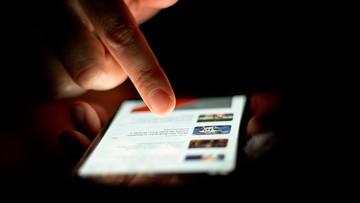 15-12-2015 09:13 UKE: 9 na 10 Polaków korzysta z telefonów komórkowych