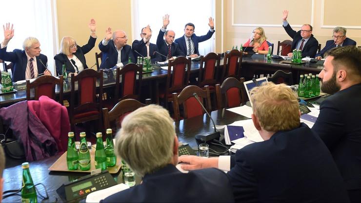 Burzliwe obrady sejmowej komisji ws. statusu sędziów TK