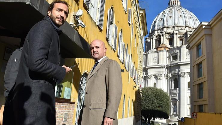 Włoscy deputowani solidaryzują się z sądzonymi w Watykanie dziennikarzami
