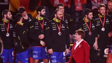 31-01-2016 22:01 Premier wygwizdana w czasie ceremonii medalowej Mistrzostw Europy w piłce ręcznej