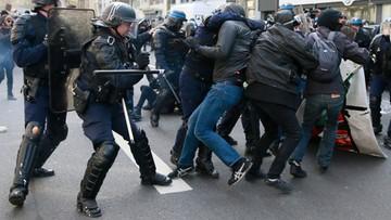 05-04-2016 17:36 Francja: 130 zatrzymanych podczas protestów przeciwko reformie prawa pracy. Doszło do starć z policją