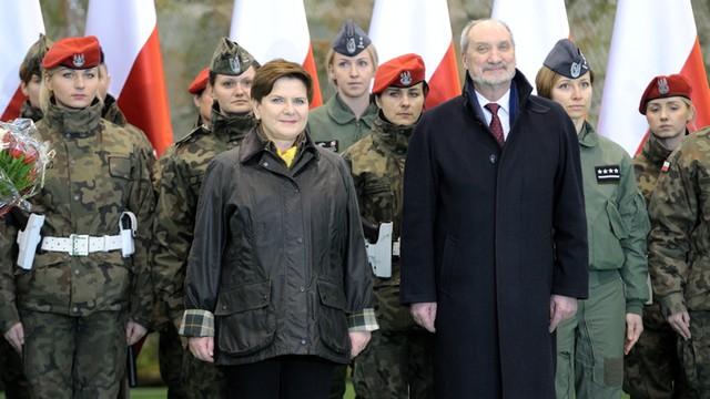 PO: PiS wykorzystuje polskie wojsko do uprawiania polityki
