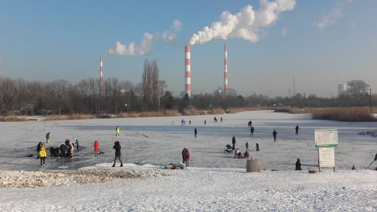 2017-01-08 Zamarzło Jeziorko Czerniakowskie w stolicy