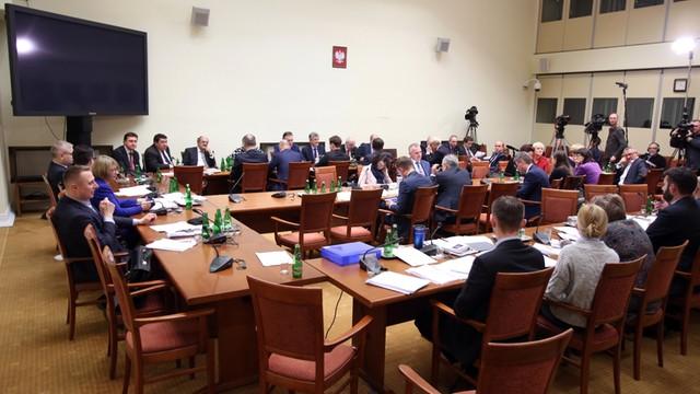 Sejm: Komisja za utrzymaniem przepisu, że siedzibą TK jest Warszawa