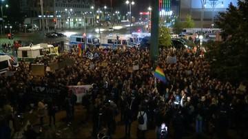 24-09-2017 21:58 Po sukcesie wyborczym skrajnej prawicy Niemcy wyszli na ulice Berlina. Doszło do przepychanek z Policją