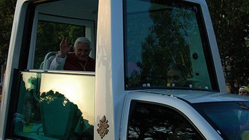 """11-02-2017 08:18 """"W pełni sił umysłowych i kruchy fizycznie"""". Ks. Lombardi o  Benedykcie XVI w 4. rocznicę ogłoszenia decyzji o abdykacji"""