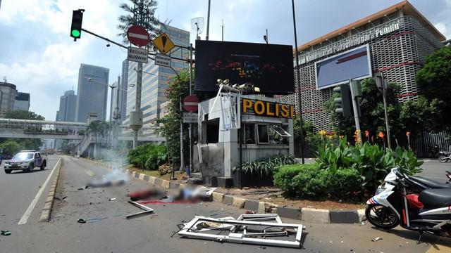 Aresztowano trzy osoby w związku z zamachami w stolicy Indonezji