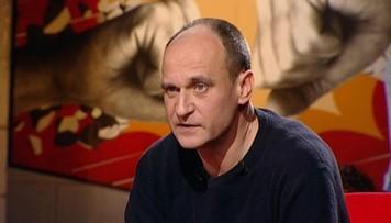 """24-12-2016 21:07 """"Gardzę politykami"""" - Paweł Kukiz w """"Skandalistach"""""""