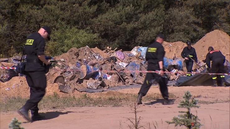 Wielkopolscy radni chcą rozwiązania sprawy nielegalnych składowisk odpadów. Stanowisko przekażą premier