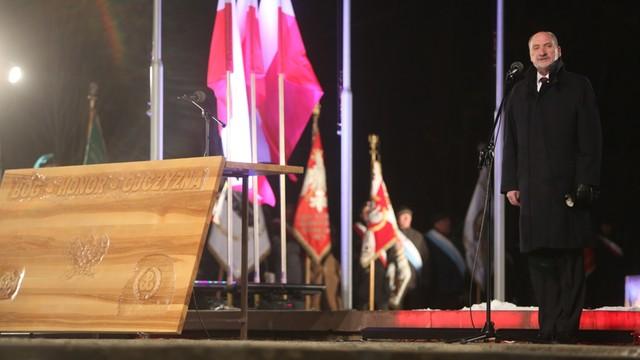 Macierewicz: Armia polska zawsze będzie pamiętać o poległych pod Mirosławcem