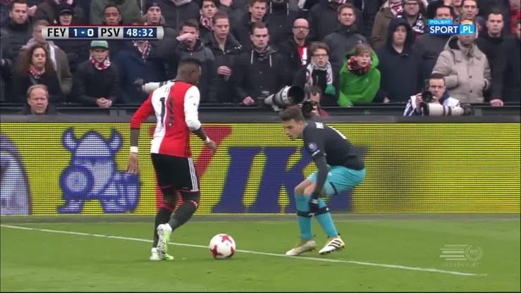 Kapitalny trick gwiazdy Feyenoordu! Obrońca PSV wkręcony w ziemię