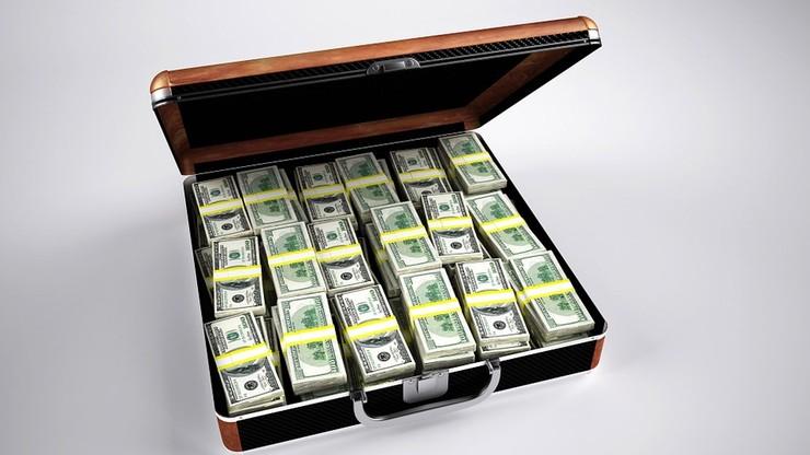 Dwóch cudzoziemców, Polak i 25 mln dolarów łapówki