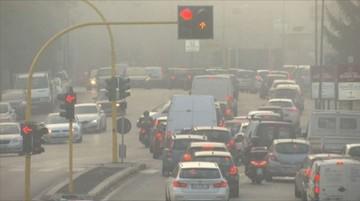 24-12-2015 06:55 Trzydniowy zakaz ruchu samochodów we Włoszech z powodu smogu
