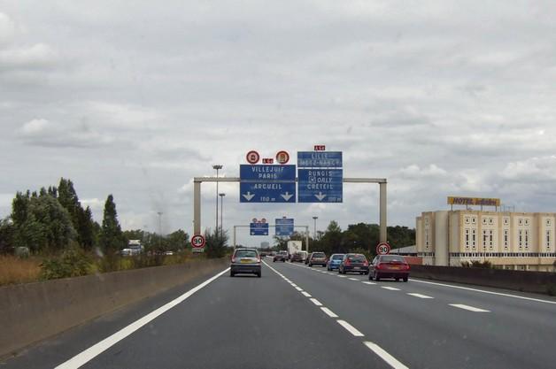 Francja: wielki napad na autostradzie - jak w filmie