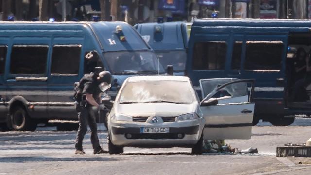 Francja: Po próbie zamachu areszt tymczasowy dla rodziny sprawcy