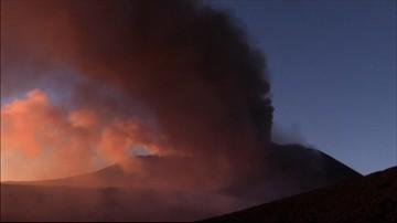 Etna wciąż groźna. Zamknięto lotnisko w Katanii