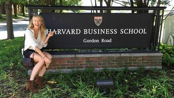 28-06-2016 08:30 Szarapowa rozpoczyna studia w Harvard Business School
