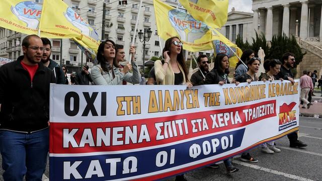 Grecja: drugi dzień strajku generalnego przeciw nowym oszczędnościom
