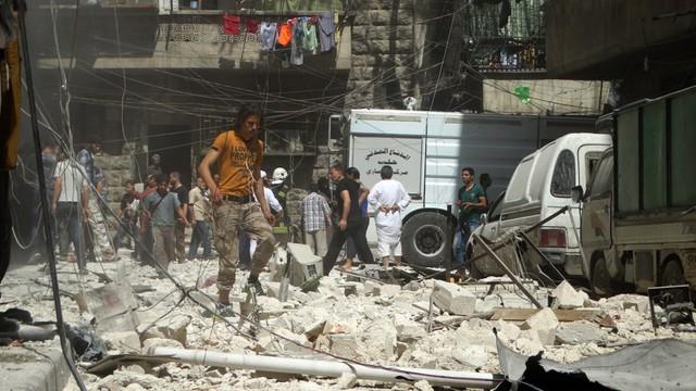 Mimo przerw humanitarnych nie rozpoczęto ewakuacji w Aleppo