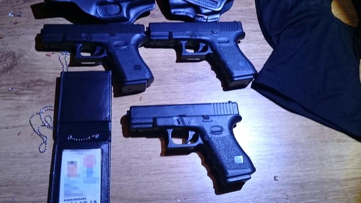 Policja rozbiła gang oszustów. Podawali się za funkcjonariuszy CBŚP, wyłudzili ponad 1,5 mln zł