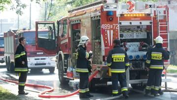 30-05-2017 11:53 Pożar hali z tekstyliami w Pabianicach. Zablokowany fragment DK 71
