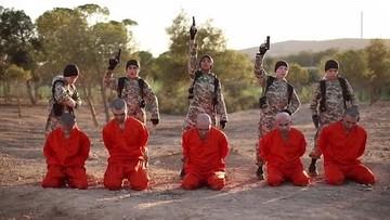27-08-2016 12:17 Dzieci zabijają z zimną krwią syryjskich jeńców. Państwo Islamskie opublikowało film