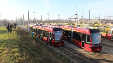 23-12-2015 13:04 Nowe tramwaje na ulicach Łodzi