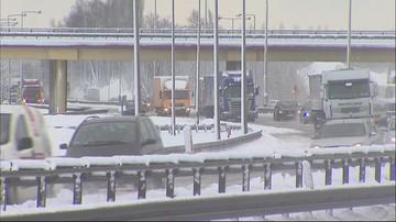 16-01-2017 11:56 Atak zimy w Trójmieście. Trudna sytuacja na drogach
