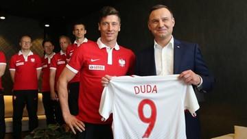 """30-05-2016 12:19 Prezydent odwiedził piłkarzy. """"Atmosfera doskonała, chcę być na finale"""""""