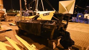 21-12-2017 12:35 Rybacy z Jastarni wyłowili z Bałtyku kanadyjski pojazd wojskowy. Nosi ślady po kulach