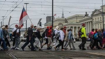 06-08-2016 12:06 Pielgrzymki z całej Polski wyruszają na Jasną Górę. Tylko z Warszawy idzie ich pięć!
